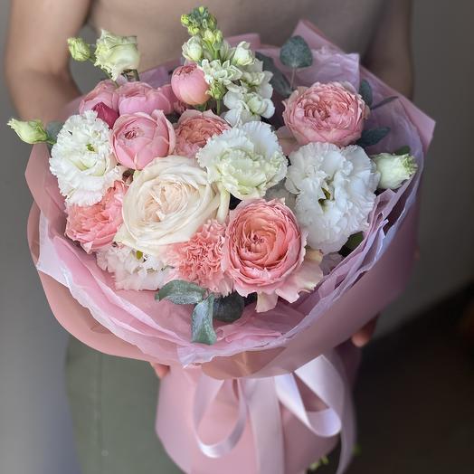 Букет Тёплое чувство из кустовых роз, маттиолы, озотамнуса и эустомы