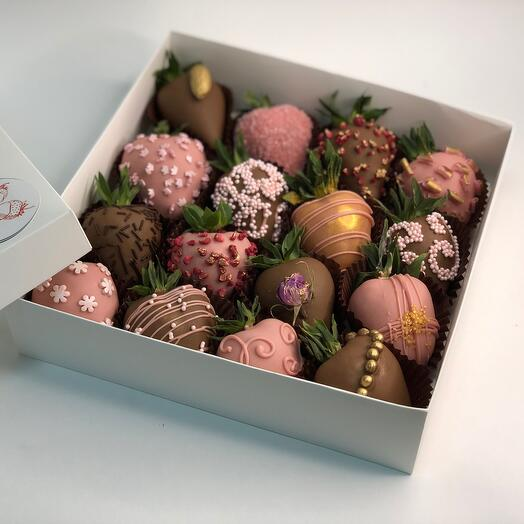 """Chocolate-covered strawberries """" Compliment»"""