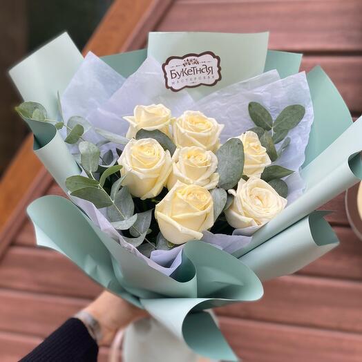 Букет из белых роз «Мята»