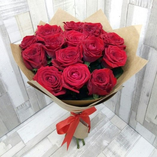 15 red roses