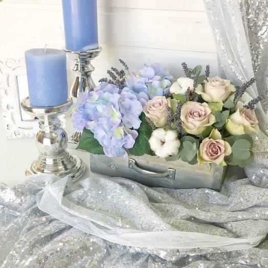 Цветочная композиция в ящичке: букеты цветов на заказ Flowwow