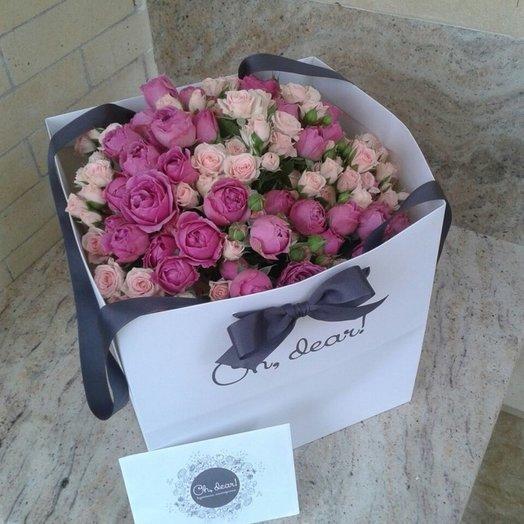 Букет из пионовидной розы и кустовой розы: букеты цветов на заказ Flowwow