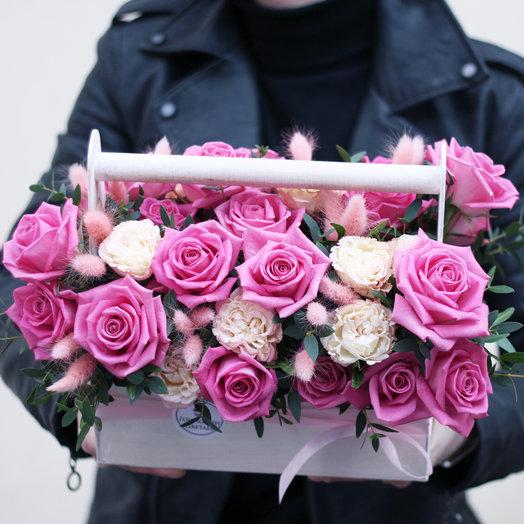 PINK: Ящичек грёз: букеты цветов на заказ Flowwow