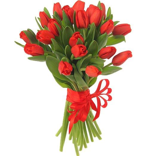 """Букет """"25 красных тюльпанов"""": букеты цветов на заказ Flowwow"""
