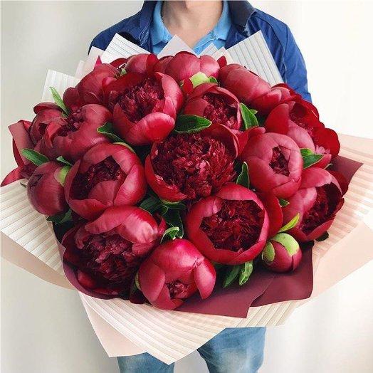 19 красных пионов: букеты цветов на заказ Flowwow