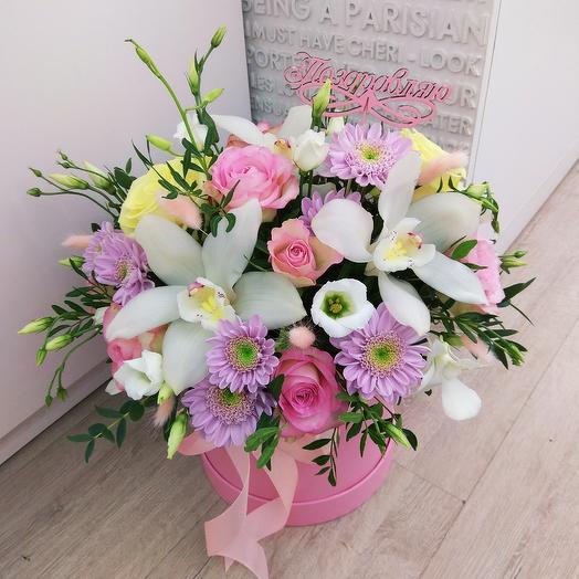 Шляпная коробка с орхидеями: букеты цветов на заказ Flowwow