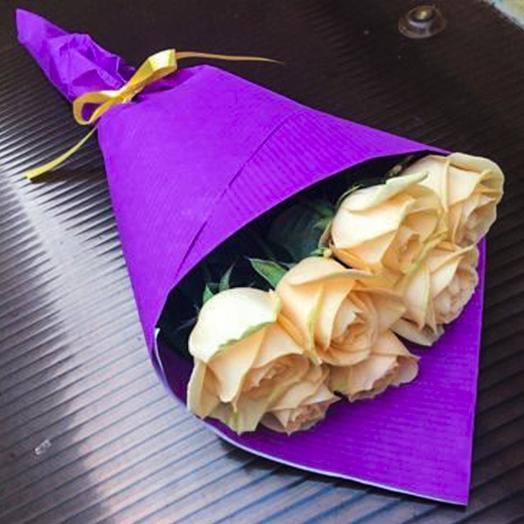 Букет из 7-ми персиковых роз