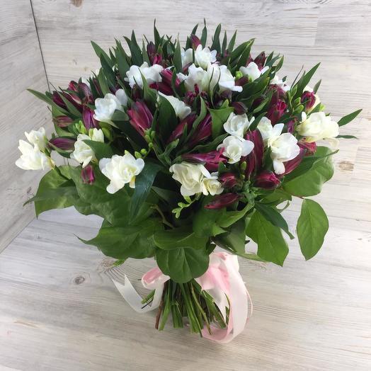 Букет из альстромерий и фрезий: букеты цветов на заказ Flowwow