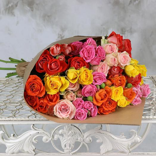 Bouquet of 15 multicolored spray roses in Kraft: flowers to order Flowwow
