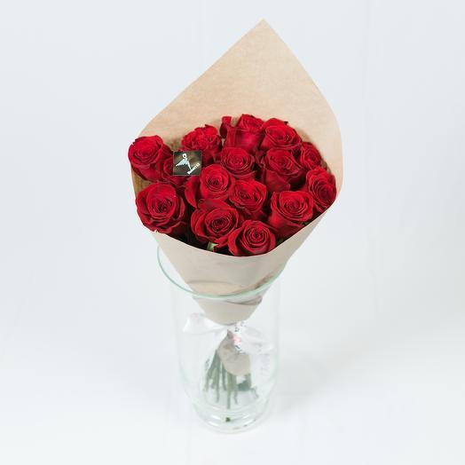 15 роз премиум 60 см в крафт-бумаге