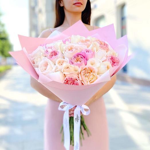 Букет из 35 садовых ароматных роз