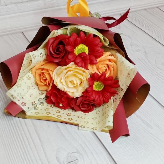 Небольшой букетик из мыльных цветов