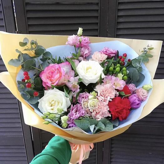 """Букет с розами """"Привязанность к тебе"""""""