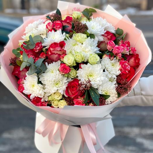 Mix bouquet of chrysanthemum, spray rose, single-headed rose with greenery