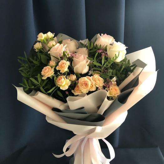 Букет с кустовой розой Весеннее послание