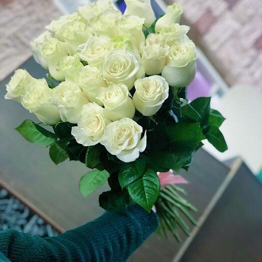 21 white rose Ecuador