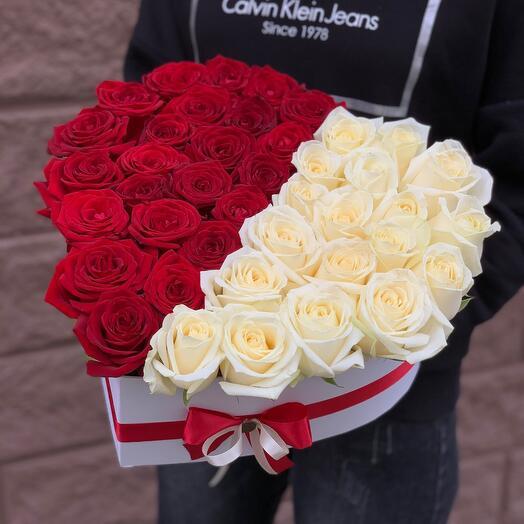 Розы в коробке (сердце)