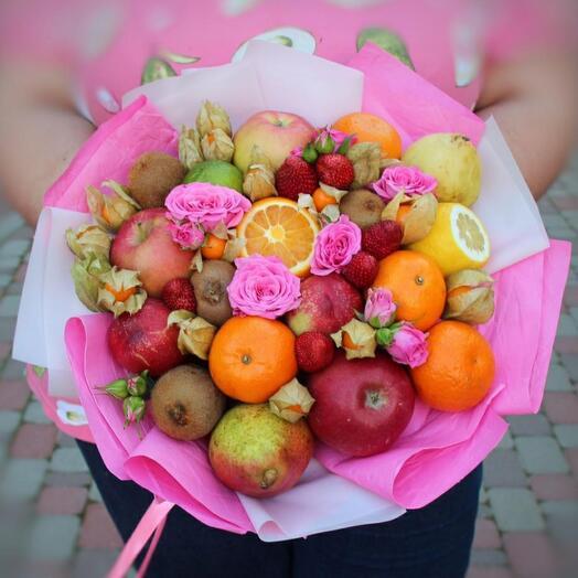 Фруктово-цветочный букет с физалисом