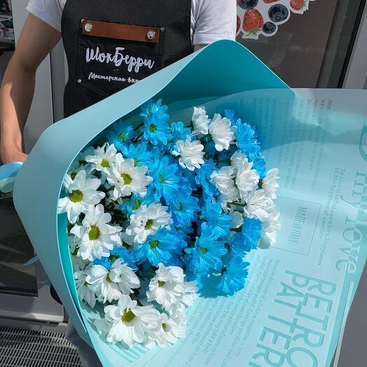 Голубой букет из хризантемы
