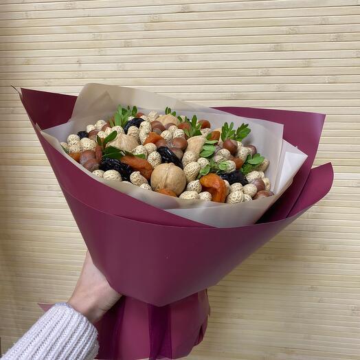 Букет ореховый с сухофруктами