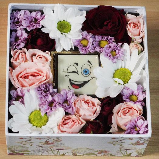 Коробочка с суфле Смайлик: букеты цветов на заказ Flowwow