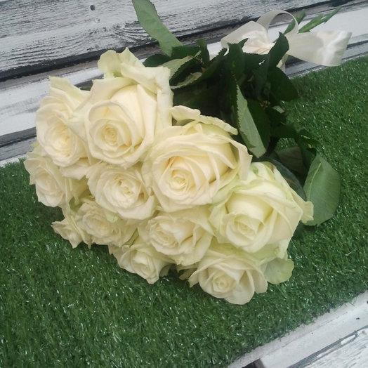 11 роз Аваланж: букеты цветов на заказ Flowwow