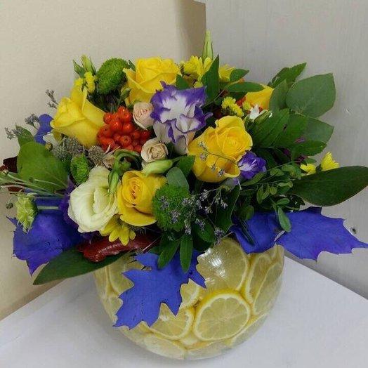 Ваза с цитрусовыми и цветами): букеты цветов на заказ Flowwow