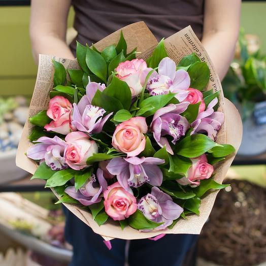 """Букет из роз и орхидей """"Джумелия"""": букеты цветов на заказ Flowwow"""