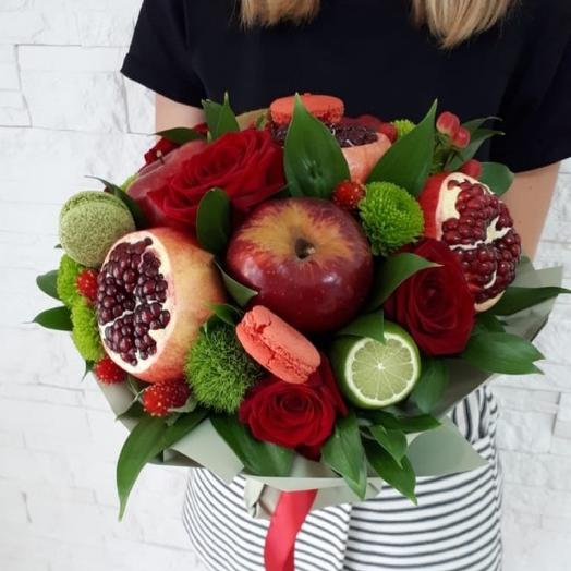 Bright fruity bouquet of Juicy pomegranate with a rose