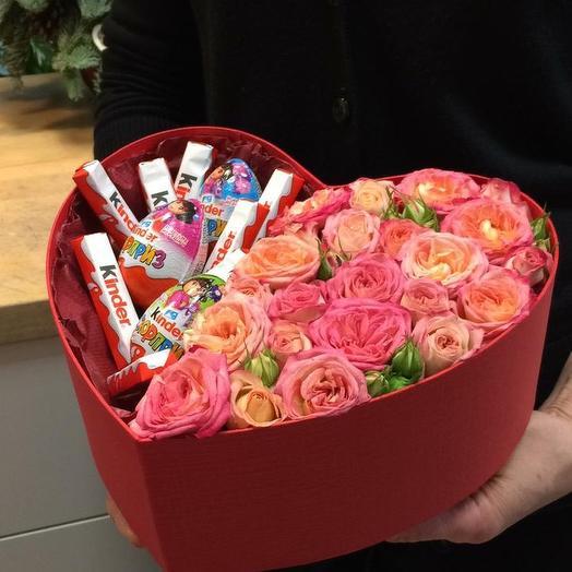 Композиция розы и шоколад