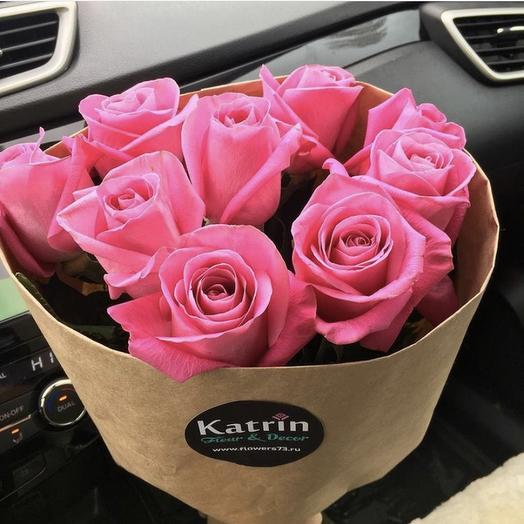 9 розовых розочек в крафт