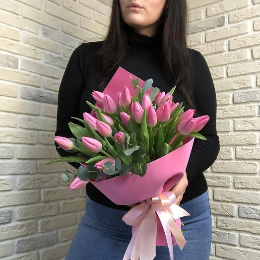 Розовые Тюльпаны с эвкалиптом