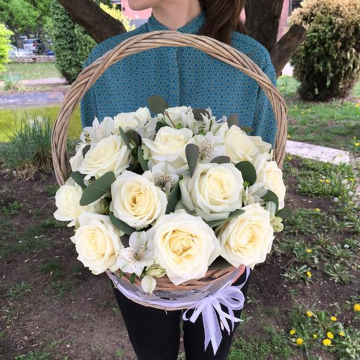 Корзина «пудровая нежность»: букеты цветов на заказ Flowwow