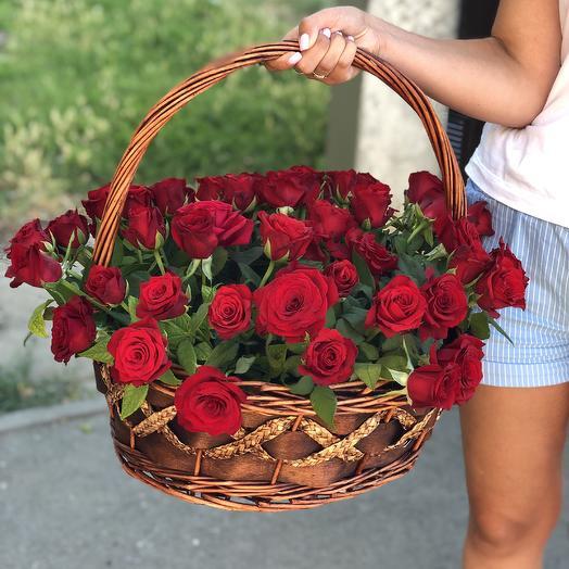Громадная корзина роз: букеты цветов на заказ Flowwow