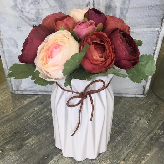 Ваза с искусственными цветами: букеты цветов на заказ Flowwow