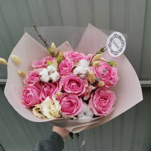 С хлопком: букеты цветов на заказ Flowwow