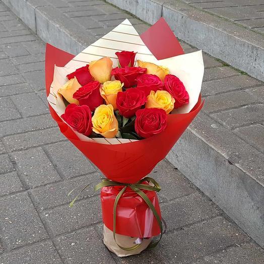 Букет из 15 роз микс: букеты цветов на заказ Flowwow