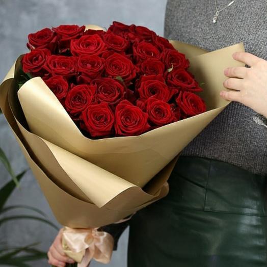 Букет из 25 роз в упаковке