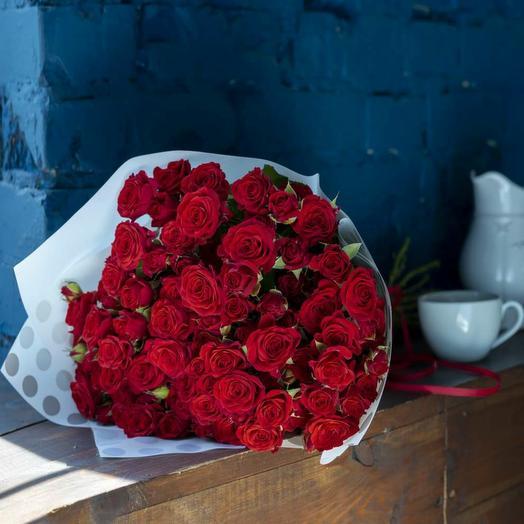 Букет из 19-ти красных роз