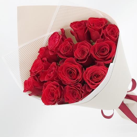 Преданность: 15 красных эквадорских роз