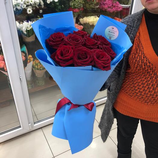 Розы красные