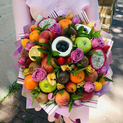 Фруктово-цветочный букет с маракуйя