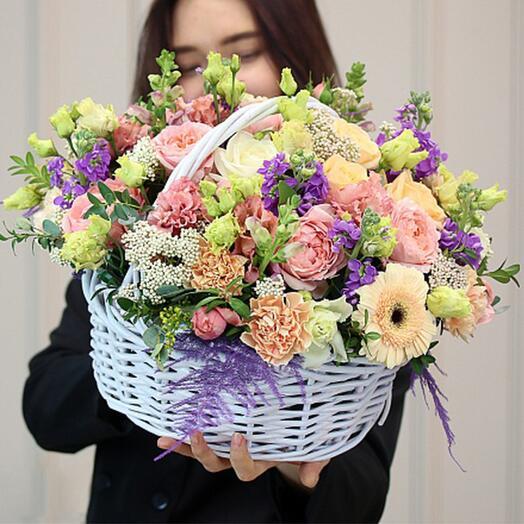 """Корзина цветов """"Притяжение"""""""