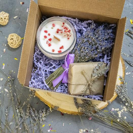 Подарочный набор 6 большая свеча, букетик из лаваны, мыло
