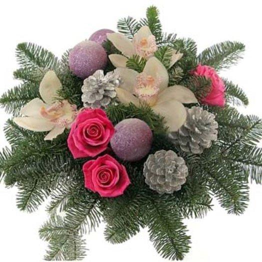 Новогодняя композиция Рассвет в лесу: букеты цветов на заказ Flowwow