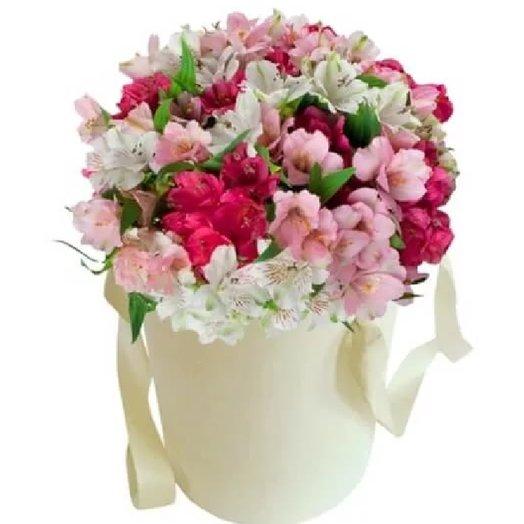 Альстромерия в шляпной коробке: букеты цветов на заказ Flowwow
