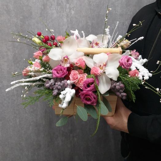 Цветочная композиция в ящике: букеты цветов на заказ Flowwow