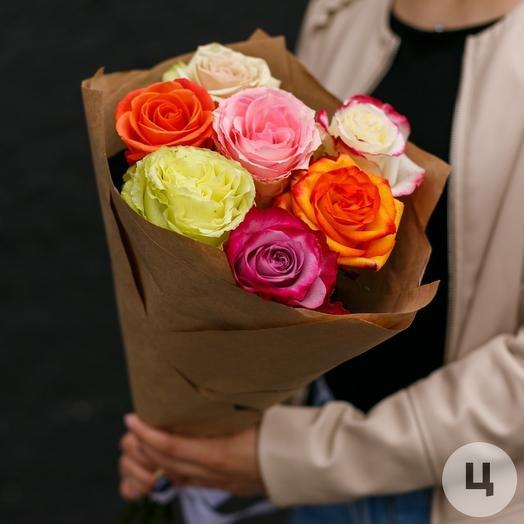 Букет 7 разноцветных роз