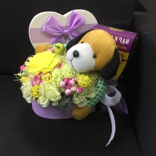 Весёлая собачка: букеты цветов на заказ Flowwow