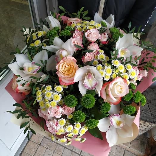 "Bouquet with Orchid and roses ""Fluttering of butterflies"": flowers to order Flowwow"